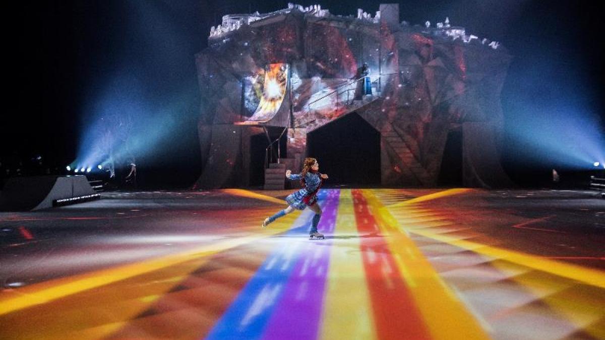 Photo crédit: Matt Beard / Costumes: Marie-Chantale Vaillancourt / 2017 Cirque du Soleil