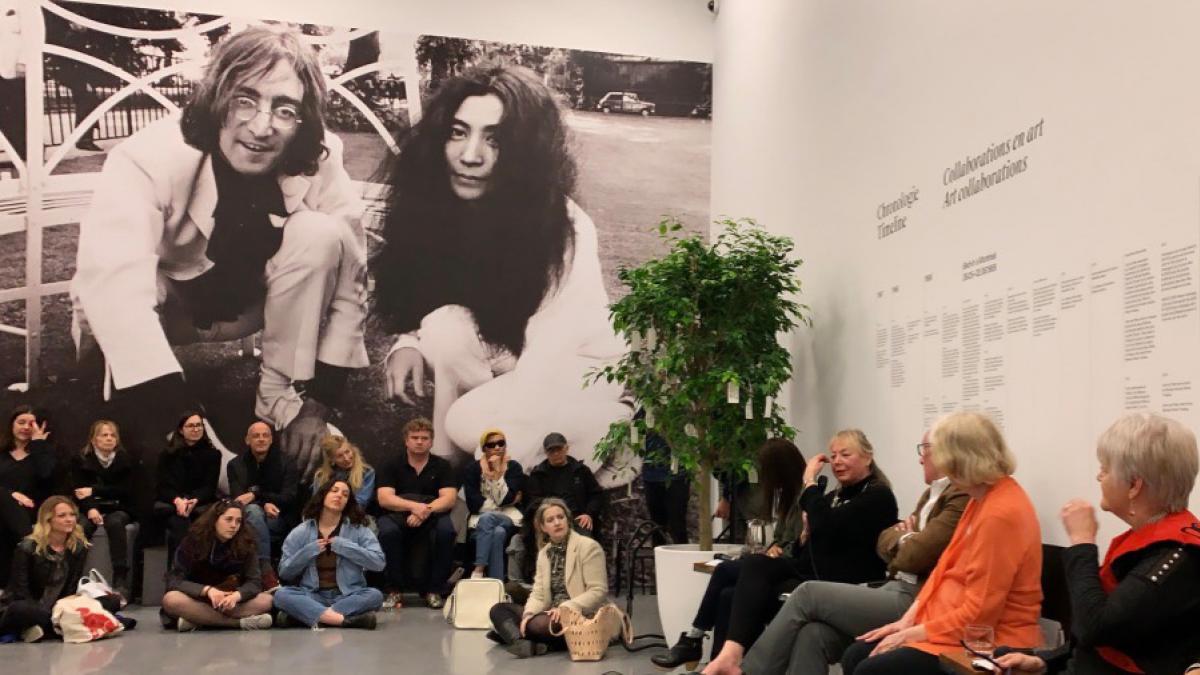 50 ans après le bed-in, Yoko Ono laisse découvrir son art interactif.