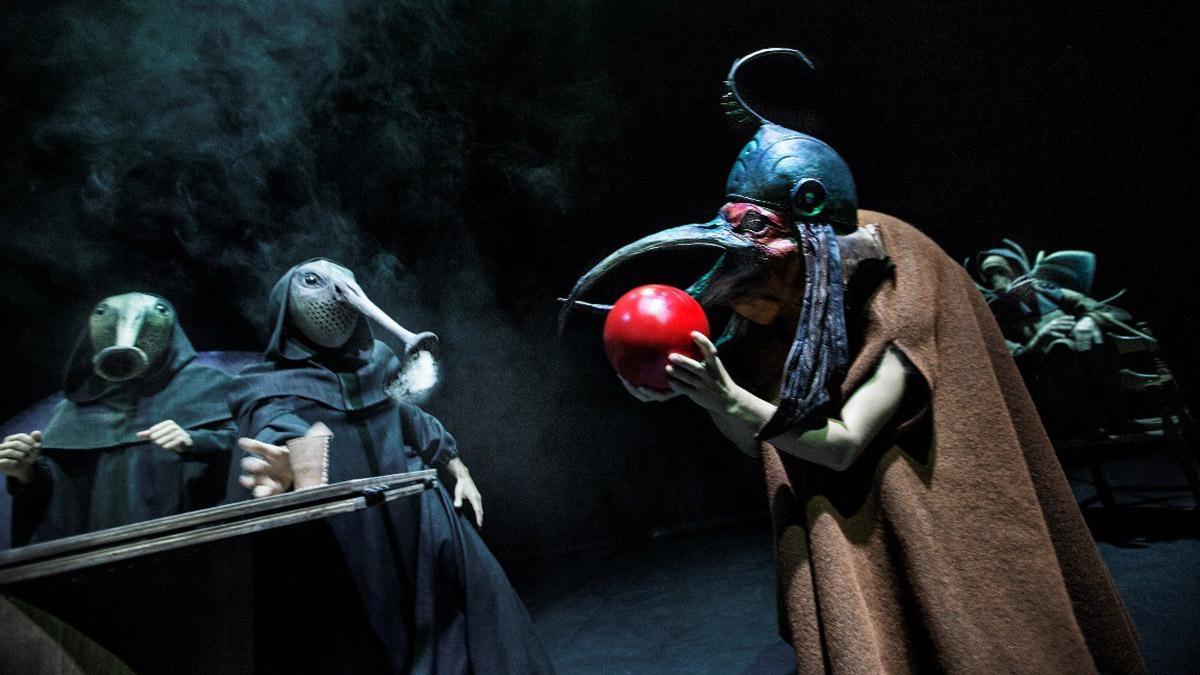 Bosch Dreams par Les 7 doigts de la main en ouverture du Festival Montréal complètement cirque