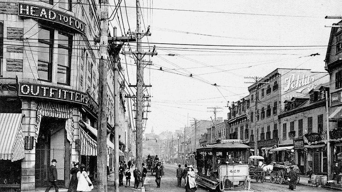 Montréal d'antan, à travers la carte postale ancienne- un livre de Jacques Saint-Pierre